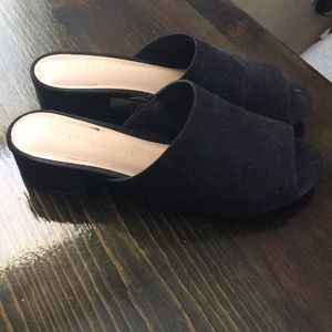 Low heel black open toe slides mules 6.5